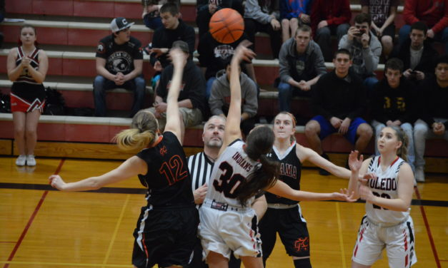 Girls Hoops: Toledo rolls in Central 2B Finale over Kalama