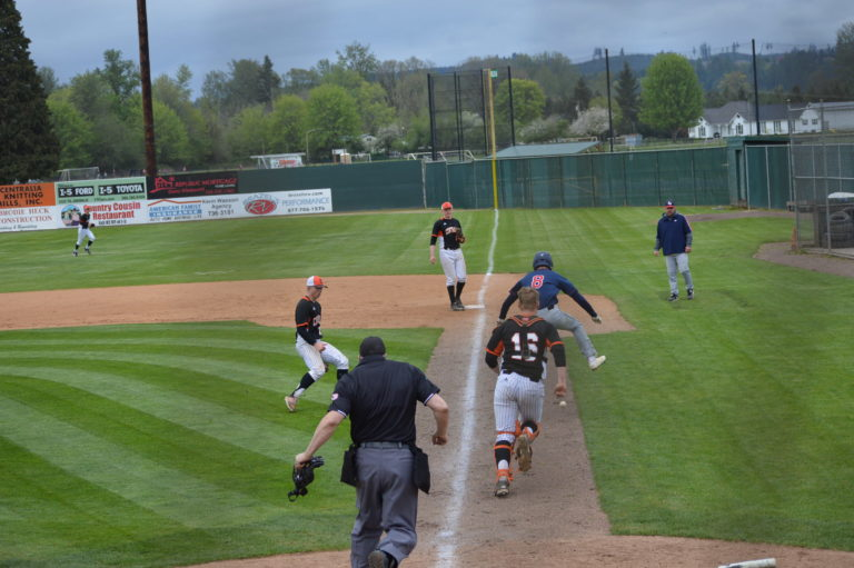 Evco 2A Baseball: Wolves put up 5 spot in 7th to nip Tigers