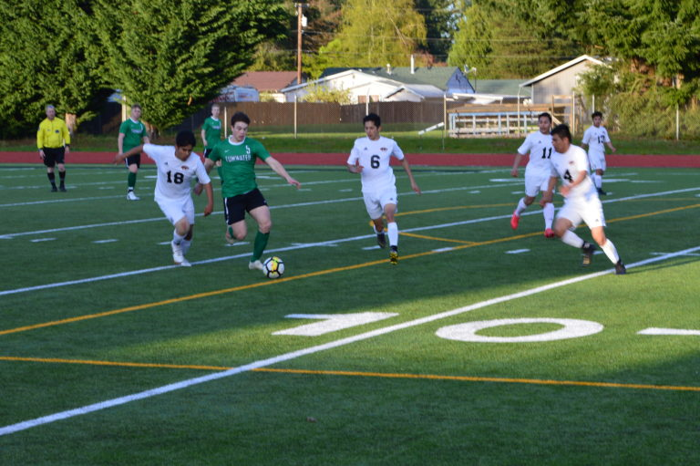 Soccer: evco 2A Tumwater denies Centralia League title and ties up the top of the standings