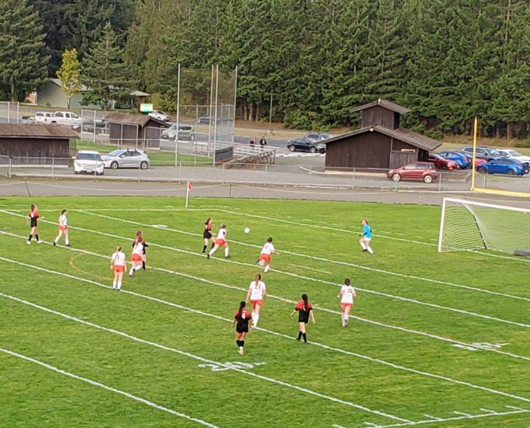 ESN Monday Re-Cap: Kalama edges Toledo in Girls Soccer and Eastside Catholic sweeps Nathan Hale in VBall